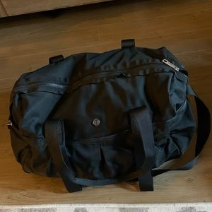 Lululemon duffel weekend gym bag black